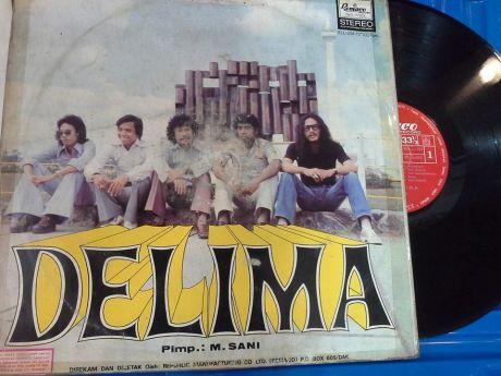Inilah album band Delima,saat Rudy Damhudi menjadi vokalisnya (Foto Denny Sakrie)