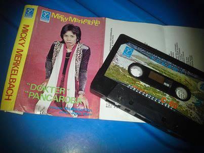 """Ini adalah album debut solo Micky Merkelbach di tahun 1978 bertajuk """"Dokter"""" - """"Pancaroba"""" (Foto Denny Sakrie)"""