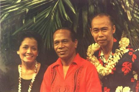 The Hawaiian Seniors dari kiri Ibu Rooselani Hoegeng,George De Fretes dan Pak Hoegeng Imam Santoso (Foto TVRI)